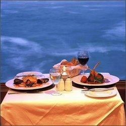 3f357fee788 Vi vil beskrive hvilke druer og vine, der passer til forkelligartet mad.